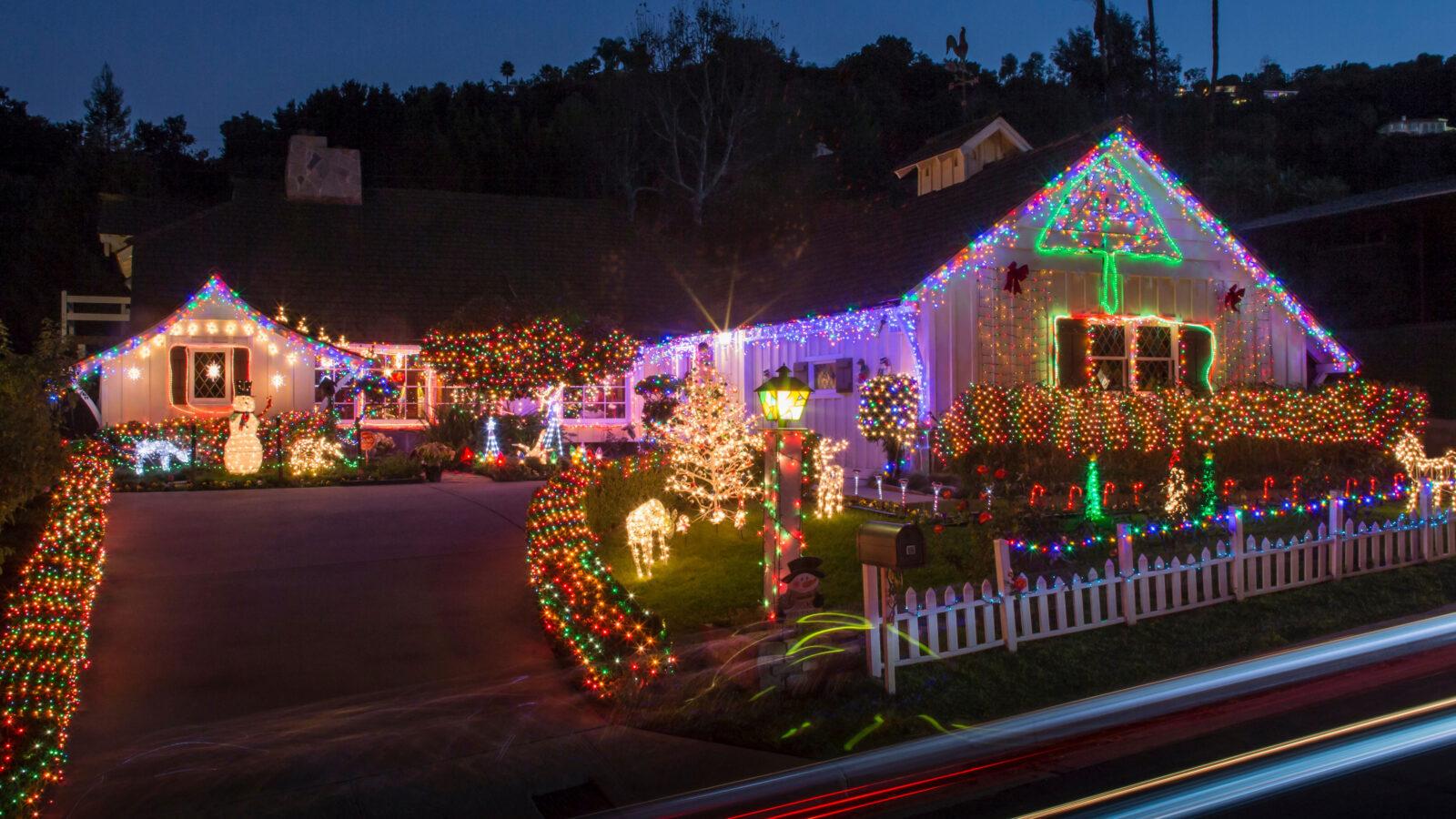 Install Christmas Lights Near Me Flagstaff, AZ